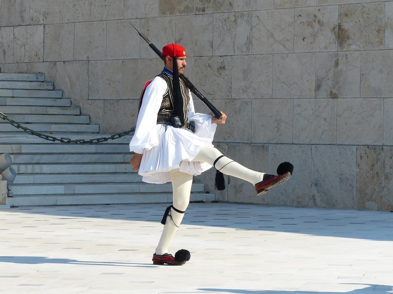 Atene cosa fare gli Euzones Foto di Martin Fuchs da Pixabay